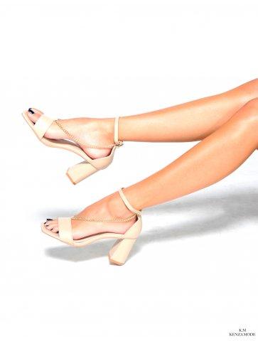 Sandales à talons détail...
